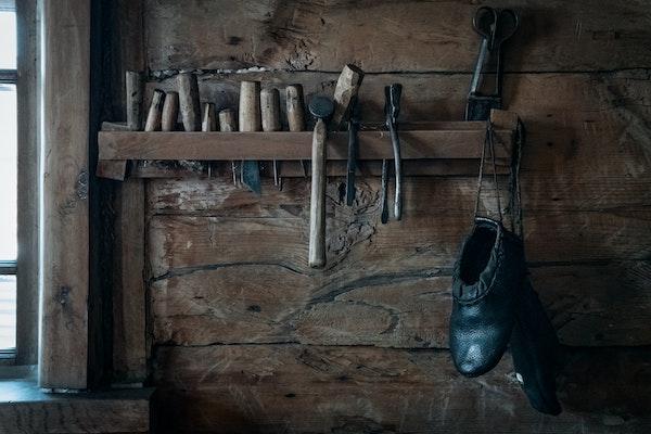 靴修理の店の画像