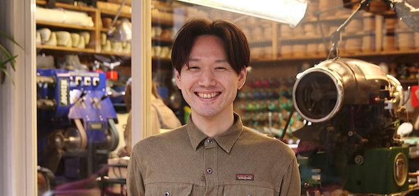 ハドソン靴店の村上さんの笑顔
